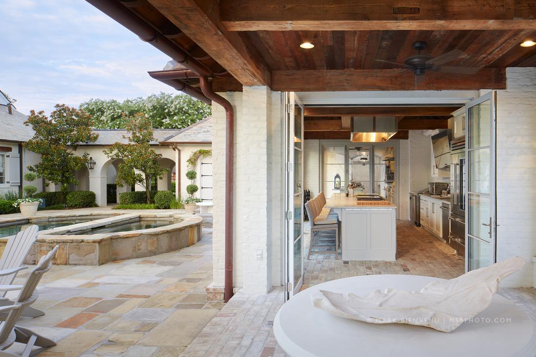 Outdoor Kitchen Architectural Photography | Mark Bienvenu