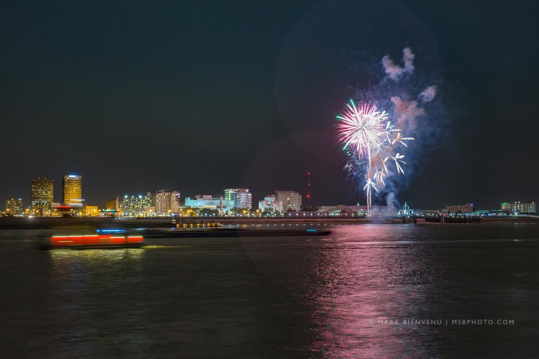 Baton Rouge Fireworks   Louisiana Photographer Mark Bienvenu
